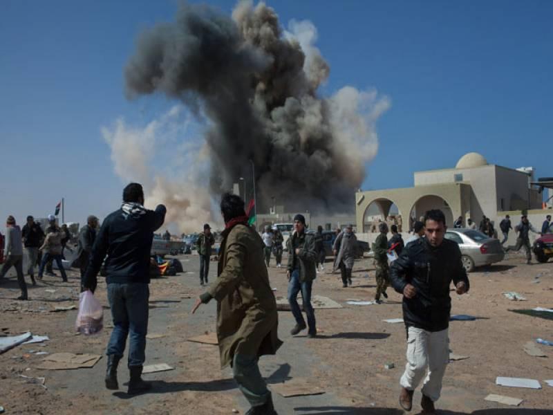 لیبیا میں عبوری کونسل کی ملیشیا اورقذافی کی حامی افواج میں بنی ولید اورسرت شہرپرقبضےکیلئےلڑائی جاری ۔