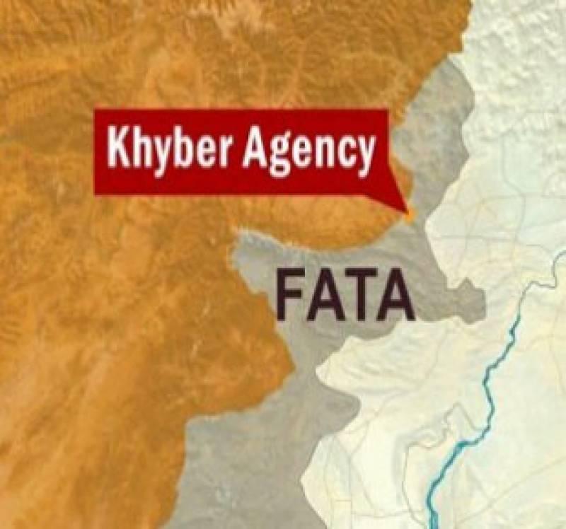 خیبرایجنسی  کےعلاقے آقا خیل میں سیکورٹی فورسز کی چیک پوسٹ پرشدت پسندوں کےحملے میں دس اہلکارشہید جبکہ تین زخمی ہو گئے ہیں