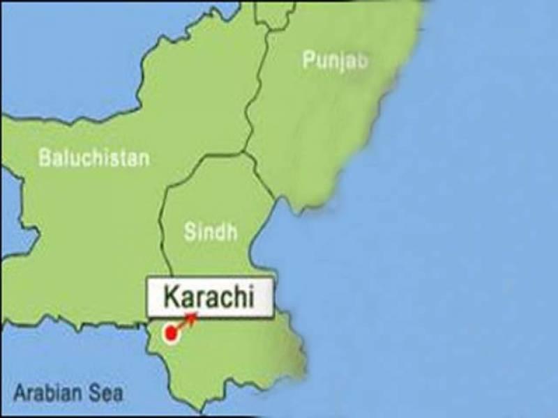 کراچی، گلستان جوہر میں رینجرز کے سرچ آپریشن کے دوران ایک شخص نے خود کو دھماکے سے اڑالیا ۔