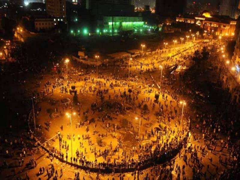 قاہرہ میں پولیس اورمظاہرین کےدرمیان تازہ جھڑپوں میںتیرہ افراد ہلاک جبکہ سوسےزائد زخمی ہوگئے۔
