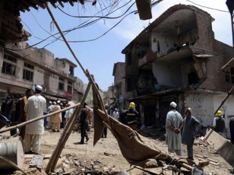 خیبر ایجنسی: علاقے لنڈی کوتل بازار میں دھماکہ، پچیس افراد جاں بحق اور ساٹھ سے زائد زخمی ۔