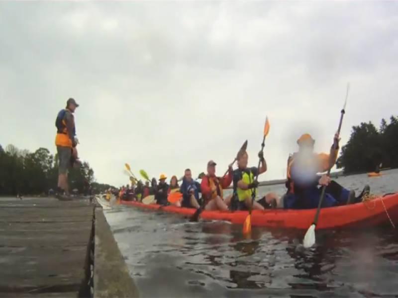 امریکہ میں چپوؤں کی مدد سے چلنے والی دنیا کی سب سے لمبی کشتی تیار کرنے کا عالمی ریکارڈ قائم کرلیا گیا ۔