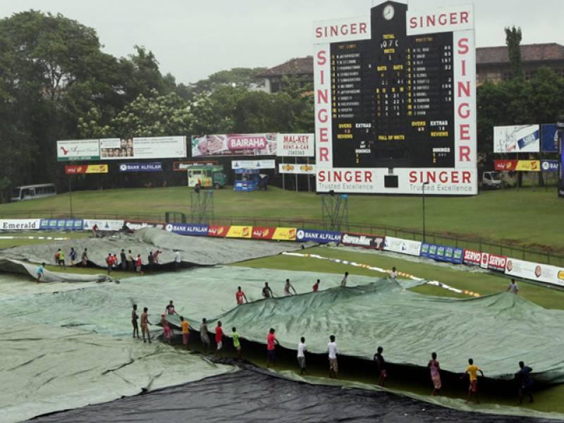پاکستان نے پہلی اننگز پانچ سو اکاون رنزچھ کھلاڑی آؤٹ پر ڈیکلیئر کردی۔ سری لنکا نے ایک وکٹ کھوکر ستررنز بنائے۔ بارش کی وجہ سے میچ رکا ہوا ہے۔