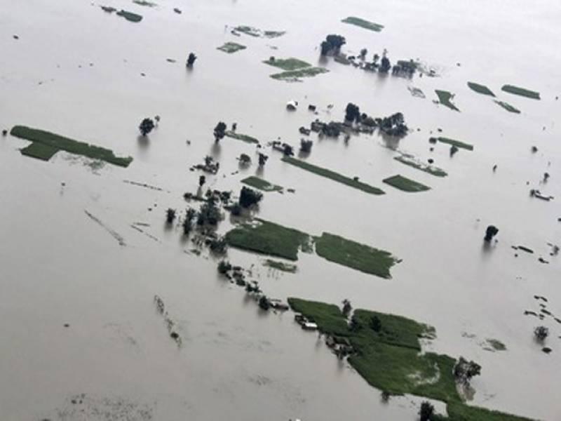 بھارت ميں شدید گرمی کی لہر کے ساتھ ساتھ مون سون بارشوں اور لينڈ سلائيڈنگ کے باعث ہلاکتوں کی تعداد ستترہوگئی.