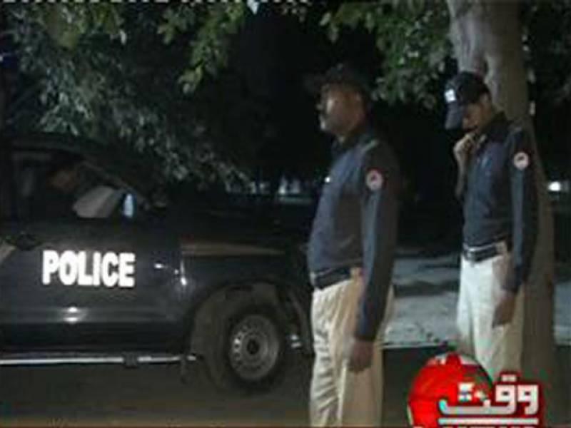 لاہورکےعلاقےرائیونڈسٹی میں مبینہ پولیس مقابلےکےدوران اےایس آئی جاں بحق جبکہ سیکیورٹی گارڈزخمی ہوگیا.