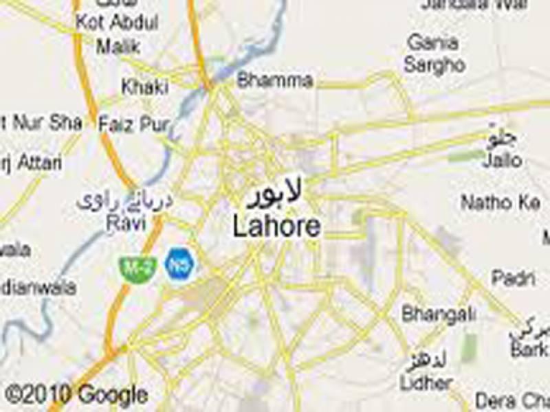 لاہور:ہال روڈ کے زمان پلازہ میں آتشزدگی،لاکھوں کا سامان جل گیا