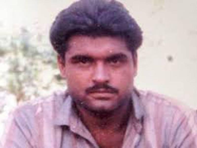 بھارتی دہشت گرد سربجیت سنگھ کے اہل خانہ واپس بھارت روانہ ہوگئے اہلخانہ کا کہنا ہے کہ جیل کے اندرایسا واقعہ رونما ہونا افسوسناک ہے کئی بار جیل حکام آگاہ کرچکے تھے کہ سربجیت سنگھ کی جان کو خطرہ ہے.