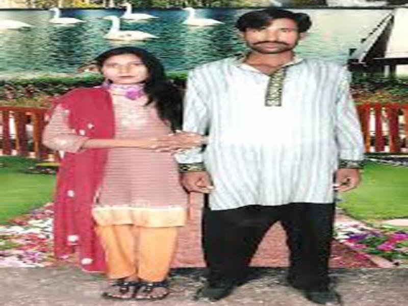 انسداد دہشت گردی لاہور کی خصوصی عدالت نے کوٹ رادھا کشن میں میاں بیوی کو زندہ جلانے کے الزام میں گرفتار چار مرکزی ملزمان کو چودہ روزہ جوڈیشل ریمانڈ پر جیل بھجوا دیا،