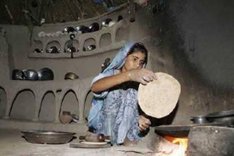 ضلع تھرپارکر میں قحط سالی کے باعث بچوں کی ہلاکتوں کا سلسہ نہ تھم سکا ، خاتون اور دو بچوں سمیت تین افراد دم توڑ گئے