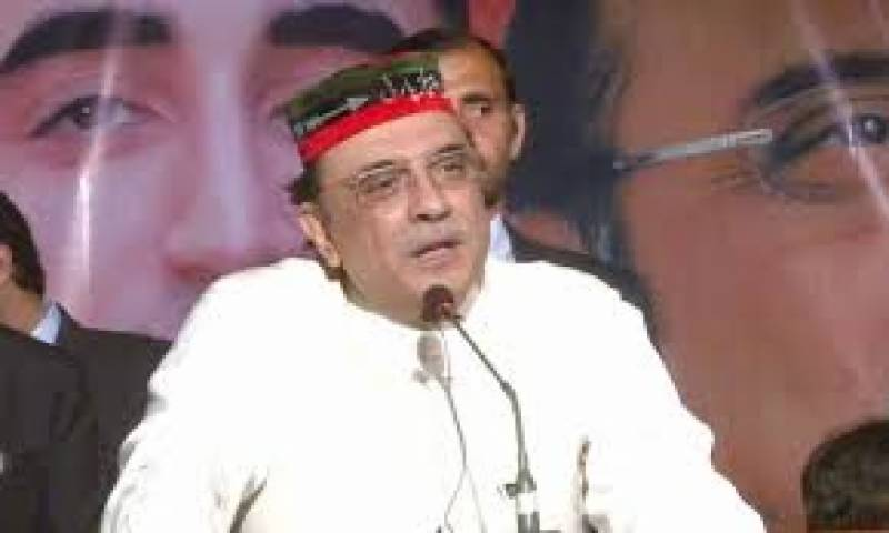 آصف علی زرداری نے کہا ہے کہ وہ فوجی عدالتوں کے خلاف نہیں ہیں،مگر ان کو تسلیم اس وقت کریں گے جب یہ یقین ہو کہ ان کا استعمال غلط نہیں ہےملڑی کورٹس کی ضرورت بھی ہے