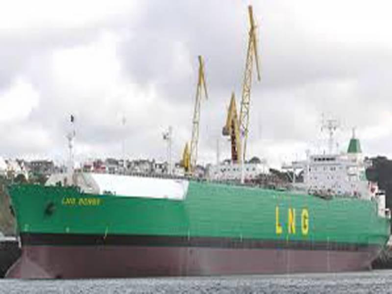 ملکی تاریخ میں پہلی مرتبہ LNGشپ کراچی پہنچ گیا