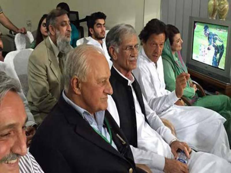 قومی کرکٹرز کو فٹنس مسائل پر قابو پانا ہوگا تاکہ وہ ہر قسم کی ٹیم کا مقابلہ کرسکیں: عمران خان