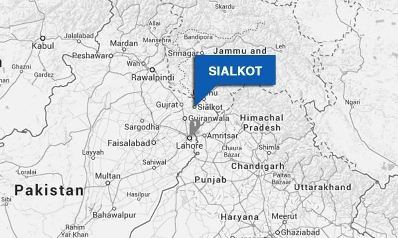 سیالکوٹ ورکنگ باؤنڈری پر بھارتی فوج کی بلا اشتعال فائرنگ سے ایک شہری شہید  جبکہ5 مویشی بھی ہلاک