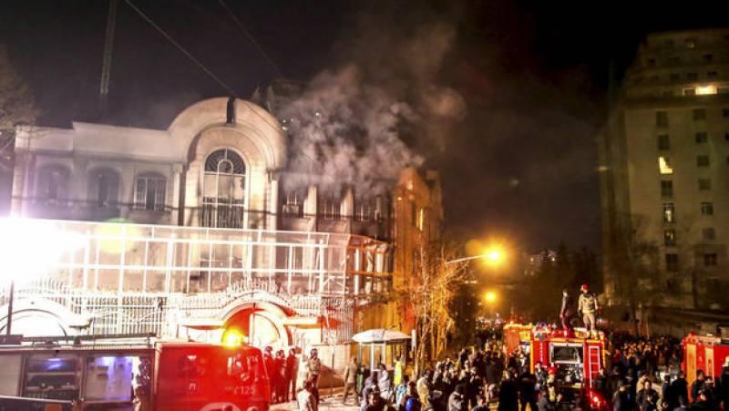ایران نے تہران میں سعودی سفارت خانے پر حملہ کرنے والے 100 افراد کو گرفتار کر لیا ہے۔
