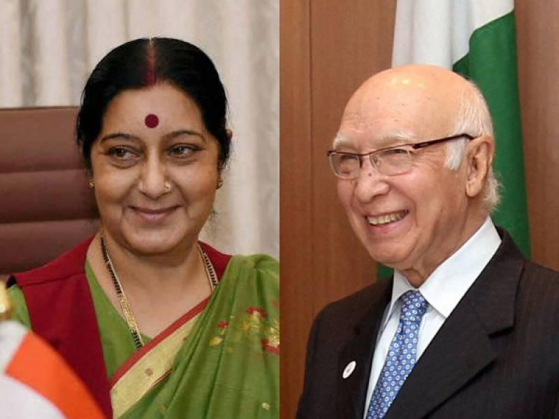 پاکستان اوربھارت میں کےدرمیان مذاکرات بحال ہونے کی امید پیدا ہوگئی, سرتاج عزیزاوربھارتی وزیرخارجہ سشما سوراج کے درمیان کولمبو میں جلد ملاقات کاامکان
