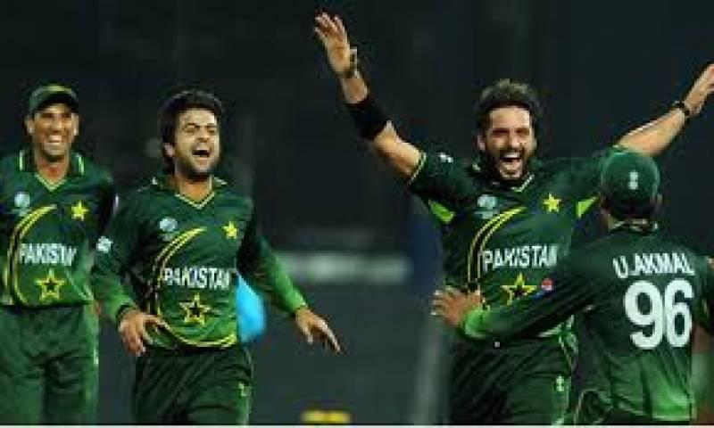 پاکستان کرکٹ ٹیم نےمشن کولکتہ کاآغازکردیاہےٹیم آج اپنا پہلا وارم اپ میچ سری لنکاکیخلاف کھیلےگی