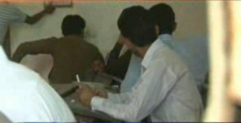 سندھ کےمختلف اضلاع میں میٹرک کےبعدFAکےپیپرزبھی آؤٹ ہونامعمول بن گیا۔