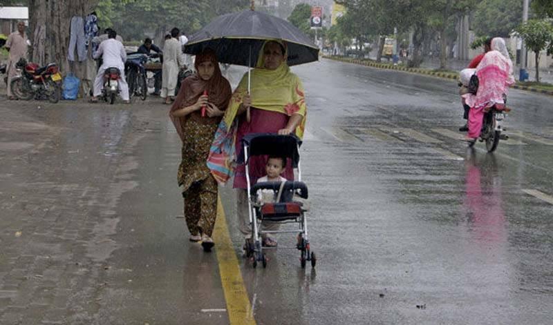 اگلے دو روز کے دوران  پنجاب کشمیر، بلوچستان  ایک چندمقامات پر تیزہواؤں اور گرج چمک کیساتھ بارش کا امکان ہے