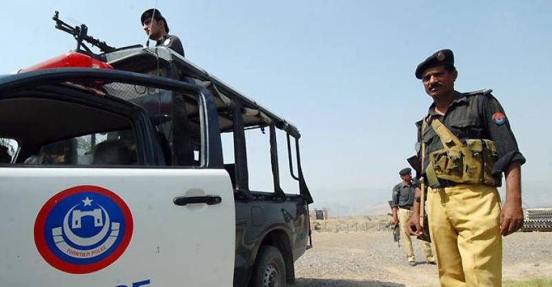 پشاور میں پولیس اور سیکیورٹی فورسز نے سرچ آپریشن میں پانچ افغان باشندوں سمیت20سےزائد مشتبہ افراد کو گرفتارکرلیا