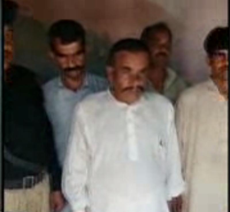 کراچی میں رینجرز نے کالعدم تنظٰیم سے وابستہ دہشتگرد سمیت دو ملزمان کو گرفتار کر لیا۔ بلدیہ اتحاد ٹاؤن اور کورنگی عوامی کالونی سے دو ڈاکو دھر لیے گئے