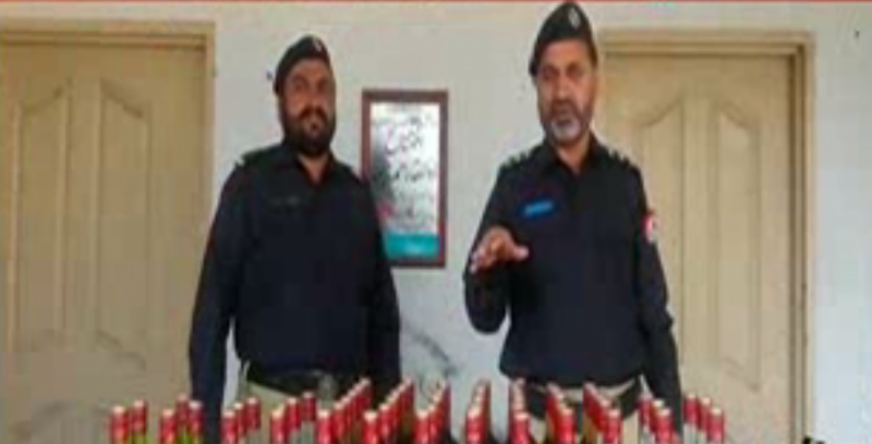 پھالیہ میں پولیس نے کارروائی کرتے ہوئے بھاری مقدار میں شراب برآمد کر لی