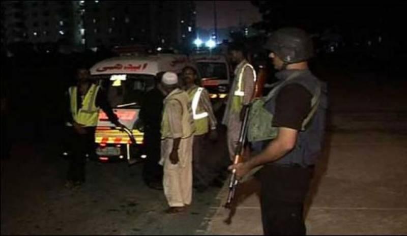 کراچی میں شہری نے ڈکیتی کی کوشش ناکام بنا دی شہری کی فائرنگ سےدونوں ڈاکو مارے گئے