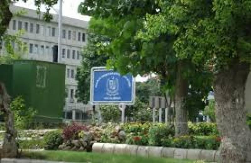 حکومت وفاقی تعلیمی اداروں میں ٹرانسپورٹ کا مسئلہ حل کرنے پر کمربستہ ہو گئی