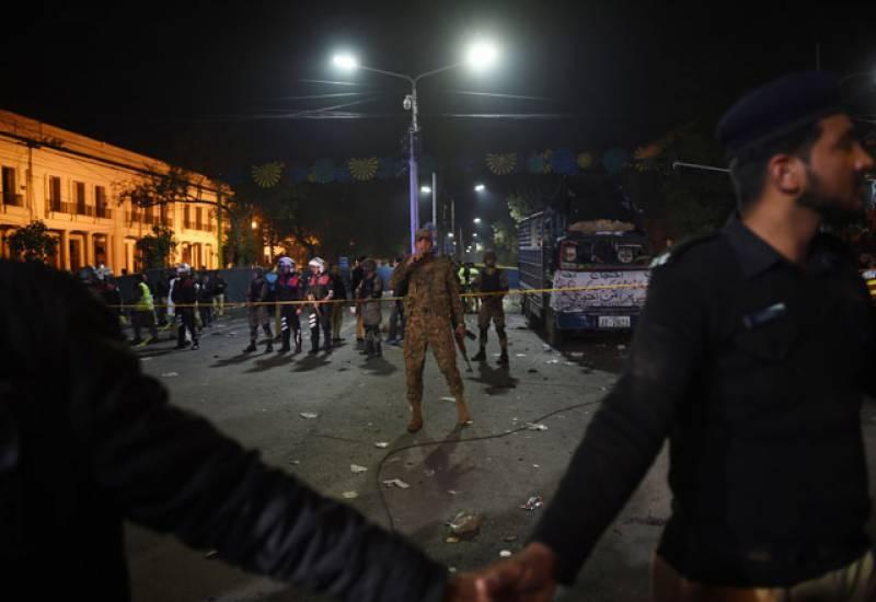 لاہور خودکش حملے میں 10 سے 15 کلو مواد استعمال کیا گیا۔