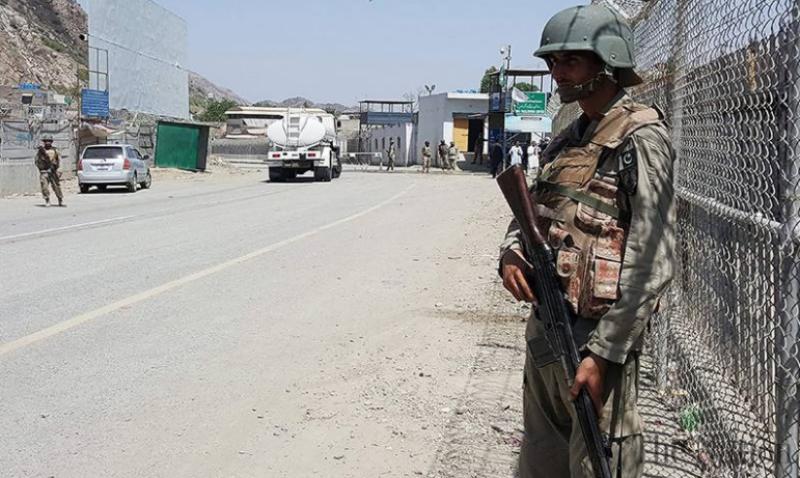 سیکیورٹی خدشات کے باعث پاک افغان طور خم  بارڈر کو غیرمعینہ مدت کیلئے بند۔۔۔۔۔