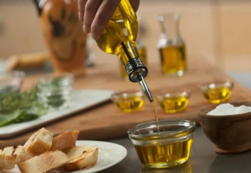 زیتون کے تیل کا استعما ل شوگر اور وزن کنٹرول کرنے میں انتہائی موثرہے۔
