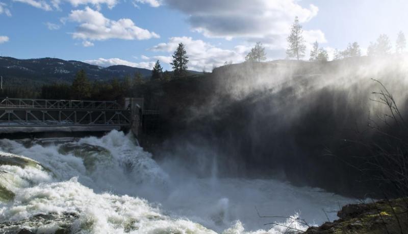 امریکہ میں برف پگھلنے اور شدید بارشوں کے باعث دریاؤں میں پانی کی سطح میں اضافہ ہوگیا ہے