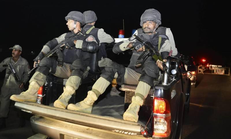 ملتان میں پاکستان رینجرز پنجاب نے آپریشن رد الفساد کے تحت کارروائی کے دوران دس دہشتگردوں ہلاک ہوگئے