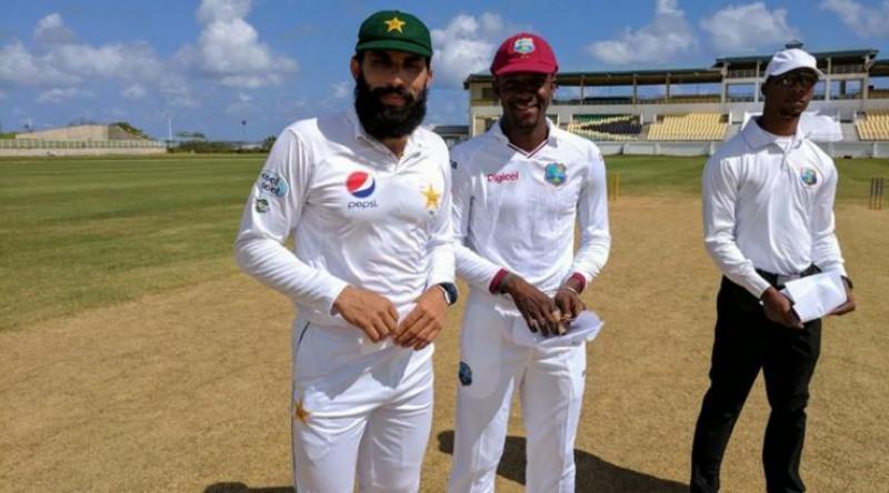 ویسٹ انڈیز پریزیڈنٹ الیون نے پاکستان کے خلاف تین روزہ ٹور میچ کے پہلے روز اپنی پہلی اننگز میں پانچ وکٹوں کے نقصان پر تین سو گیارہ رنز بنا لیے۔