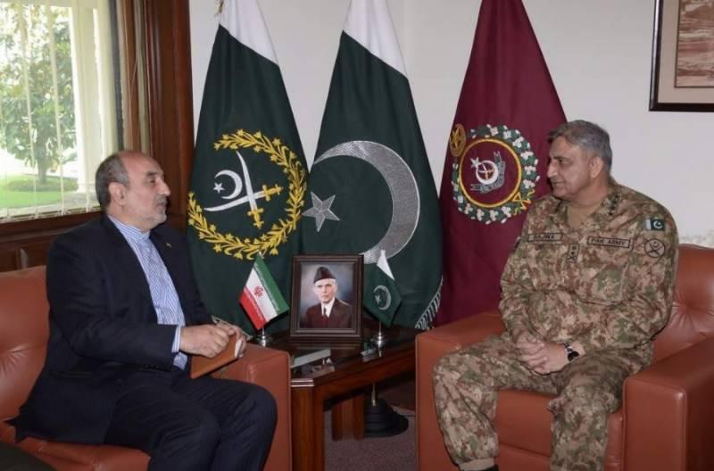 پاک فوج کے سربراہ جنرل قمر جاوید باجوہ سے ایران کے سفیرمہدی ہنردوست کی ملاقات