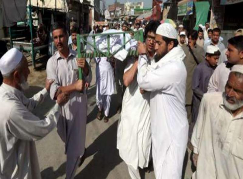 گوادر میں جاں بحق ہونے والے مزدوروں کو سپرد خاک کردیا گیا