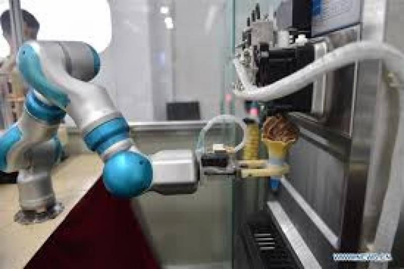 چین میں چوتھی روبوٹ سمٹ کا آغاز ہوگیا سمٹ میں روبوٹک کام