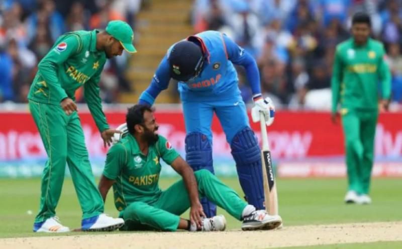 چیمپئنز ٹرافی،انڈین بلے بازوں کی جارحانہ بیٹنگ, پاکستان کو جیت کیلئے 324 رنز کا ٹارگٹ