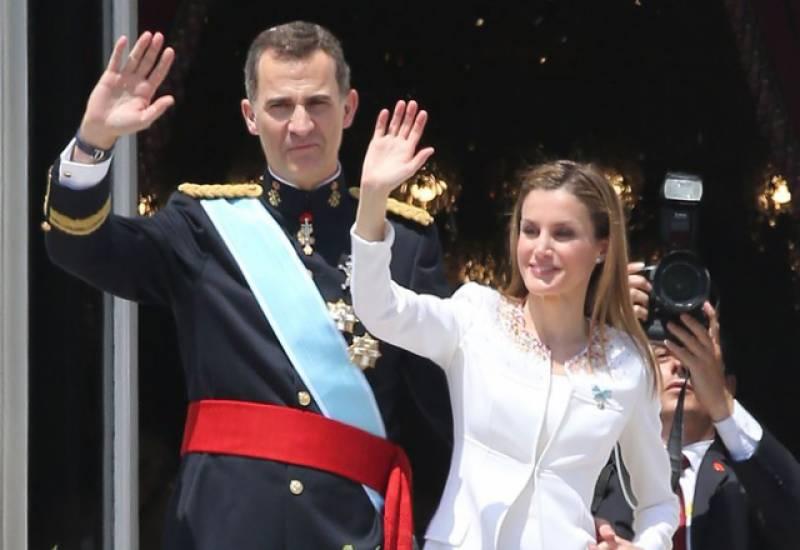 سپین کا شاہی خاندان 31 برس بعد برطانیہ کے دورے پر پہنچ گیا۔