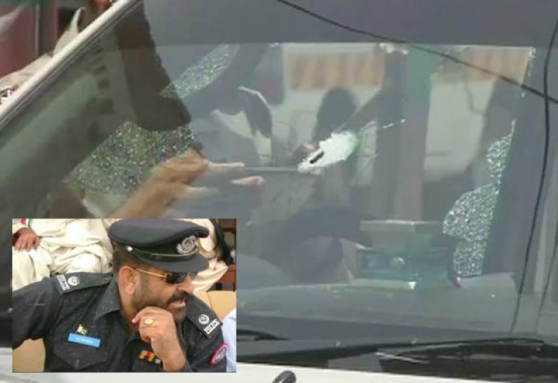 کوئٹہ: نامعلوم  افراد کی  پولیس موبائل پرفائرنگ،ایس پی سمیت4  اہلکارشہید،محافظ زخمی
