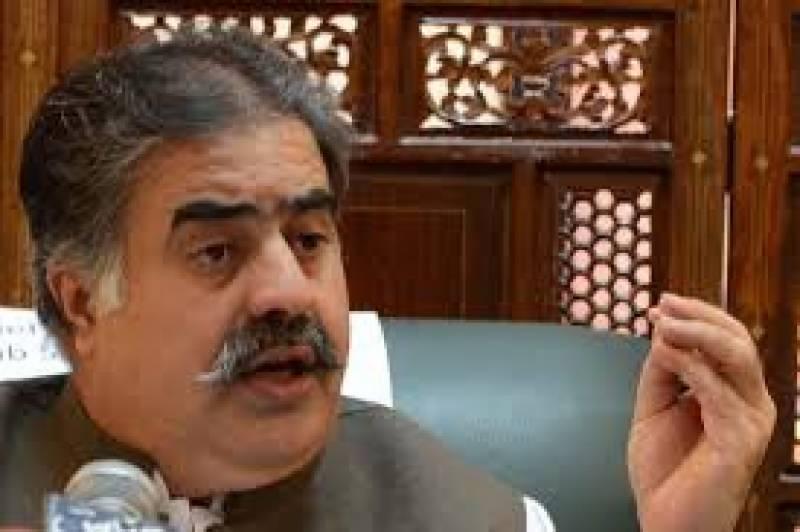 کلی دیبہ میں ایس پی قائد آباد مبارک شاہ کی گاڑی پردہشتگردوں کے حملے کی شدید الفاظ میں مذمت کی ہے: نواب ثناء اللہ خان زہری