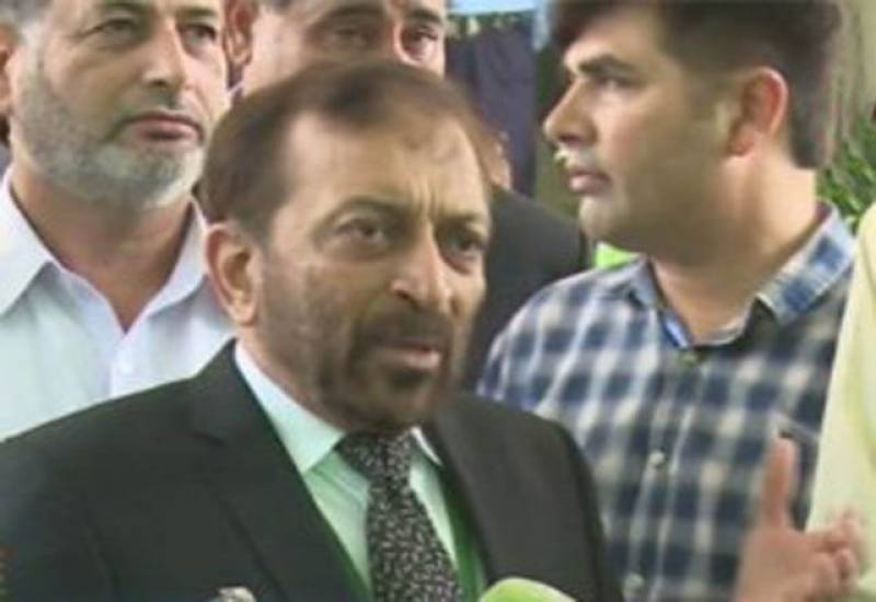 وزیراعظم مستعفی ہوکر مقدمات کا سامنا کریں۔ فاروق ستار
