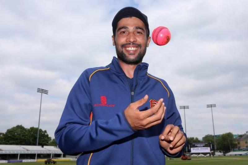 انگلش کاﺅنٹی چیمپئن شپ میں برطانوی کرکٹ کلب ایسکس کی نمائندگی کرنے والے پاکستانی فاسٹ باولرمحمد عامر نے یارکشائر کے خلاف تباہ کن باولنگ کا مظاہر ہ کرکے سب کو حیران کر دیا