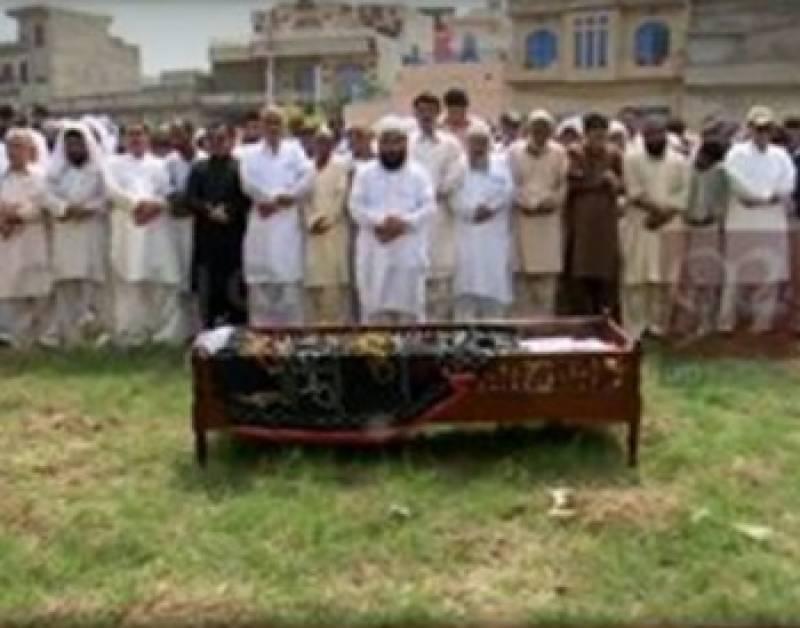 لالہ موسی میں نواز شریف کی ریلی میں شامل سیکیورٹی کی گاڑی کی ٹکر سے12 سالہ حامد جاں بحق ہوگیا