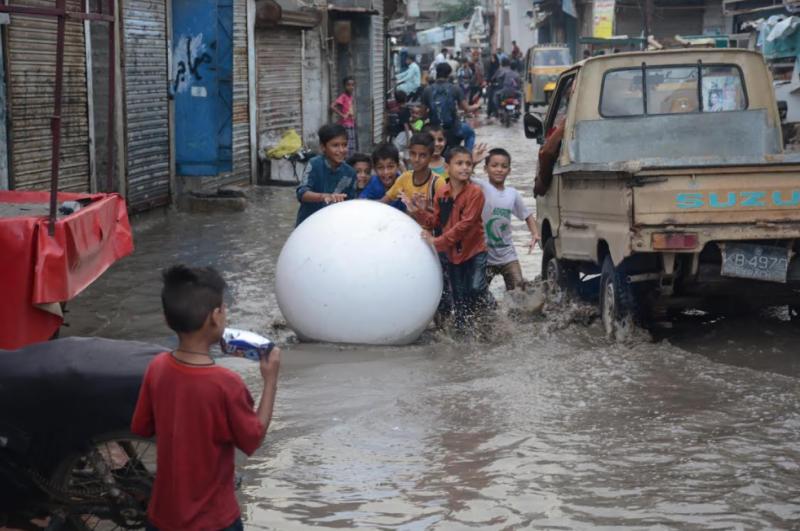 کراچی سمیت سندھ کے مختلف شہروں میں طوفانی بارشوں کا امکان