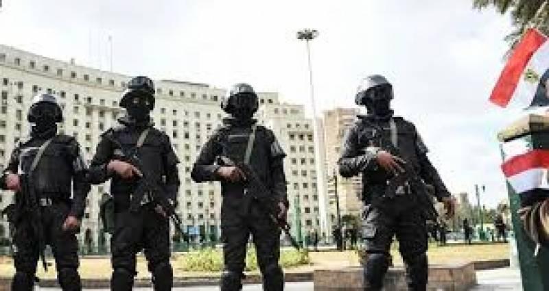 پولیس کے ساتھ فائرنگ کے تبادلے میں مصر کے شہر الجیزہ میں 10 دہشت گرد ہلاک ہو گئے