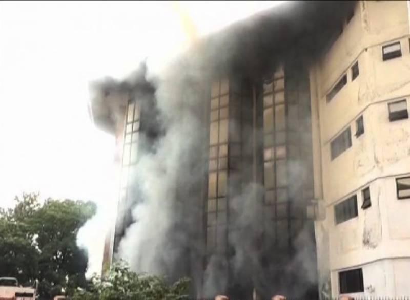 آگ لگنے کی  وجوہات جاننے کے لیے8رکنی انکوائری کمیٹی بنا دی گئی