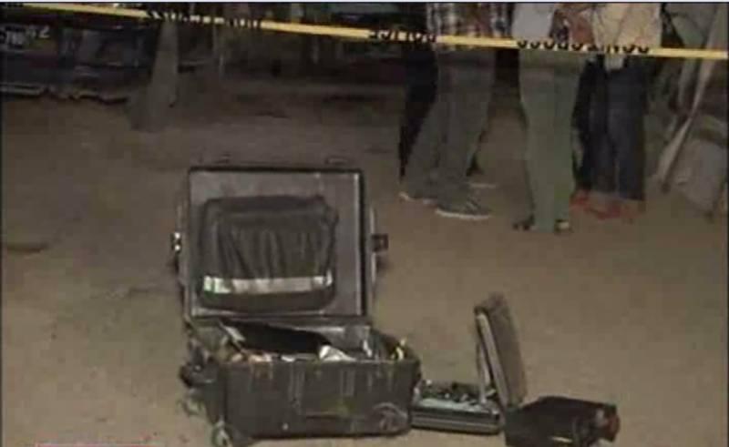 کراچی کے علاقے سٹیل ٹاؤن میں رات گئے اے وی سی سی اور سی آئی اے کی جانب سے مشترکہ کارروائی کی گئی