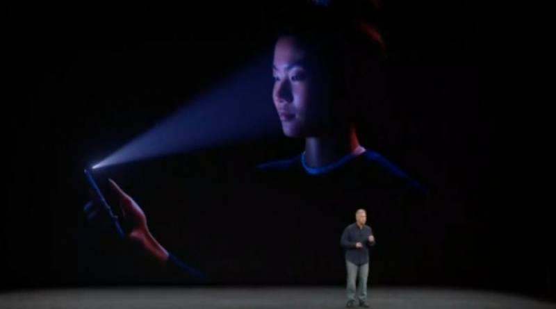 ایپل نے آئی فون ایکس متعارف کروا دیا۔یہ اپیل کا مہنگا ترین فون ہے۔