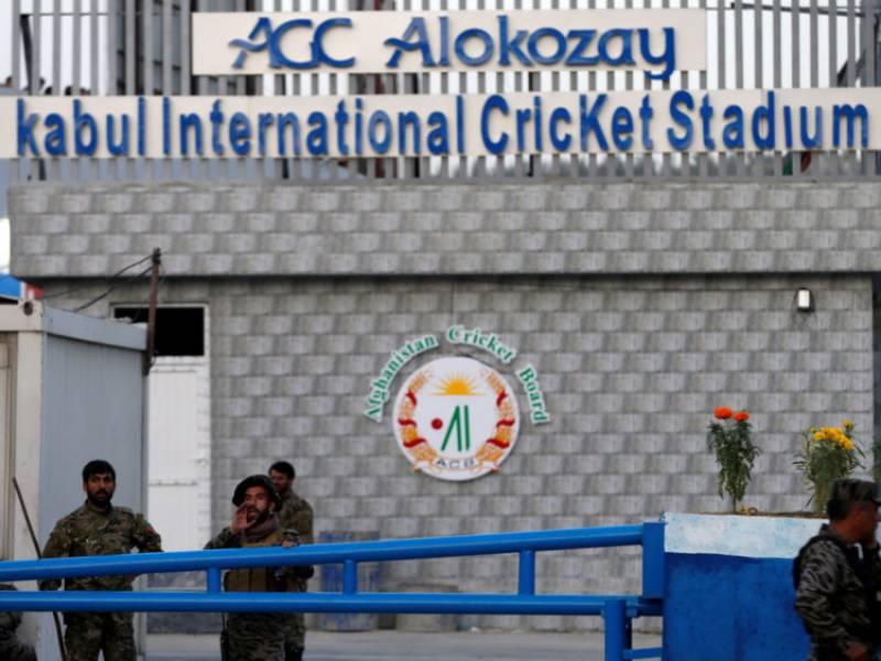 افغانستان کے دارالحکومت کابل میں کرکٹ سٹیڈیم کے باہر خودکش حملہ ہوا