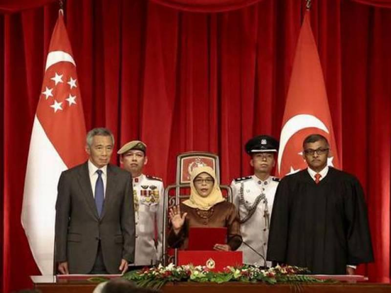 سنگاپور کی پہلی مسلم خاتون صدر نے حلف اٹھا لیا۔